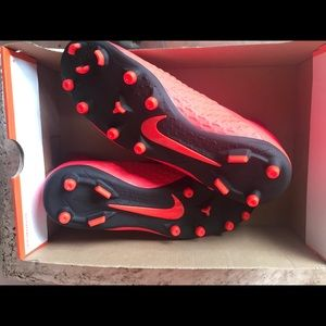 Nike Men's Soccer Cleats size 9.  New never worn.